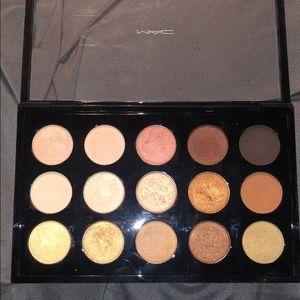 MAC eyeshadow palette/ Warm Neutral